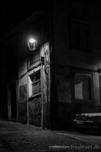 Mercedes im Schatten