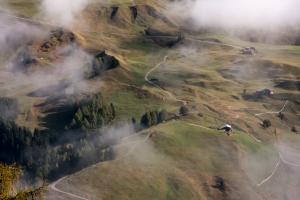 Alpental im Nebel